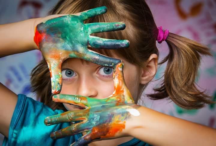 bambina artista